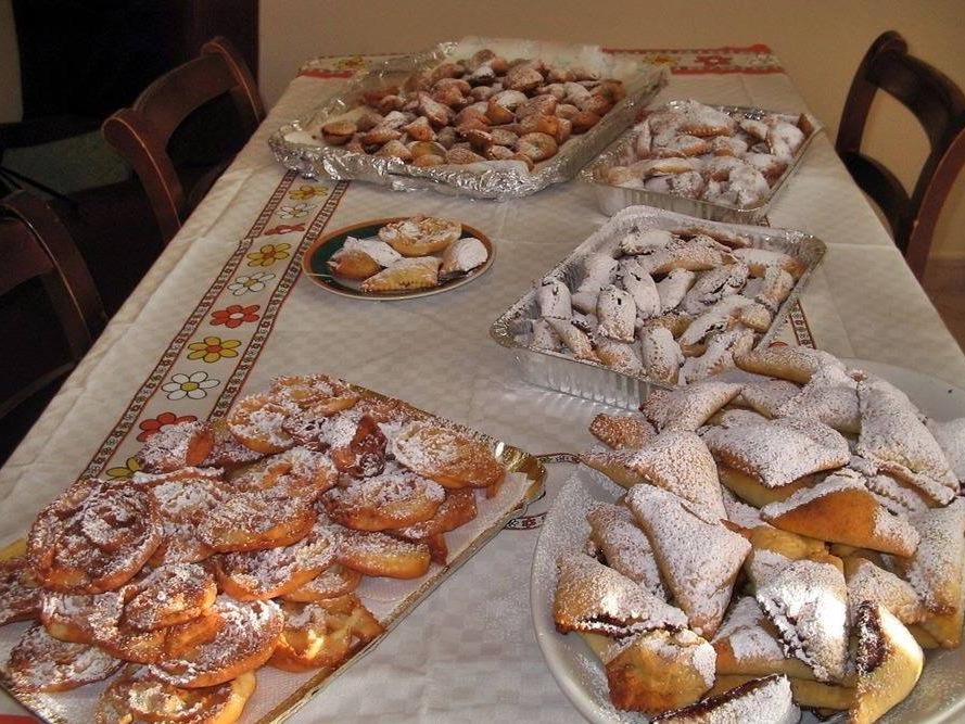 Dolci san Felesi (Nachspeisen unserer Heimat)
